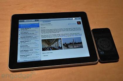 ipad-vs-iphone-2.jpg