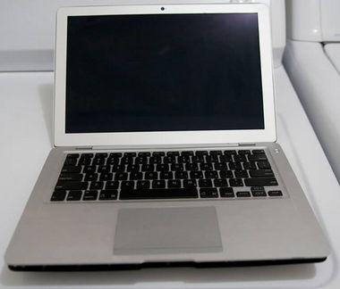 macbookairprototype-20081118-1.jpg